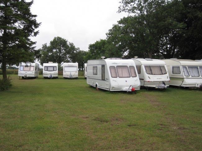 1283943595-caravan-storage
